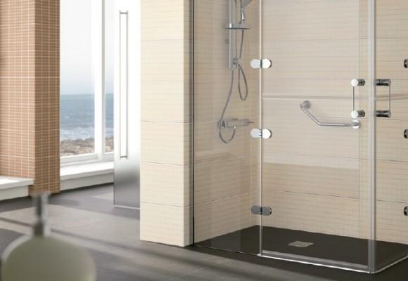 Qué debes tener en cuenta para elegir una mampara de ducha o baño para personas con movilidad reducida